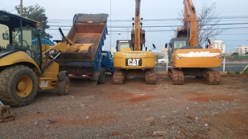 Locação de Escavadeiras Pequena Itapetininga - Locação de Escavadeira Hidráulica