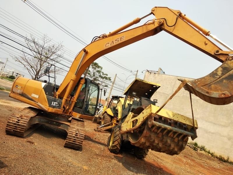 Onde Faço Aluguel de Escavadeira para Fundações Itapetininga - Aluguel de Escavadeira de para Terraplanagem